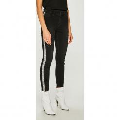 Vero Moda - Jeansy Seven. Czarne jeansy damskie Vero Moda. Za 169.90 zł.
