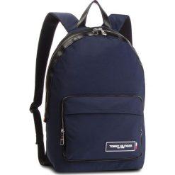 Plecak TOMMY HILFIGER - Th Patch Backpack AM0AM04345 901. Niebieskie plecaki damskie Tommy Hilfiger, z materiału. Za 549.00 zł.