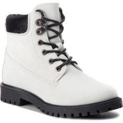 Trapery GUESS - FLTMR3 LEA10  WHIGO. Białe śniegowce i trapery damskie Guess, z materiału. W wyprzedaży za 499.00 zł.