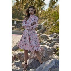 Piękna rozkloszowana sukienka l269. Czerwone sukienki damskie Lemoniade, z materiału, ze stójką, z długim rękawem. Za 249.00 zł.