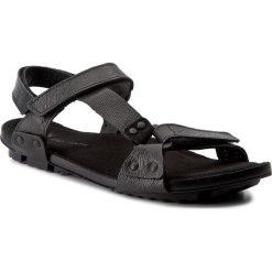 Sandały NIK - 06-0229-00-01 Czarny. Czarne sandały męskie Nik, z materiału. W wyprzedaży za 159.00 zł.