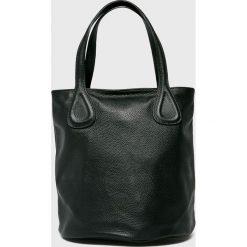 Answear - Torebka skórzana. Czarne torby na ramię damskie ANSWEAR. Za 299.90 zł.