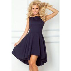66-1 gruba lacosta - ekskluzywna sukienka z dłuższym tyłem - granatowa. Szare sukienki damskie NUMOCO. Za 137.00 zł.