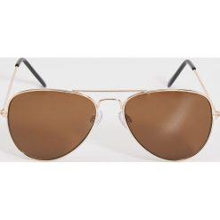 Okulary przeciwsłoneczne - Brązowy. Brązowe okulary przeciwsłoneczne damskie Sinsay. Za 19.99 zł.