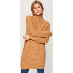 Długi sweter z półgolfem - Beżowy. Brązowe swetry damskie Mohito. Za 149.99 zł.