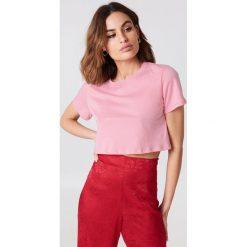 NA-KD Basic Krótki T-shirt oversize - Pink. Różowe t-shirty damskie NA-KD Basic, z bawełny. W wyprzedaży za 20.48 zł.