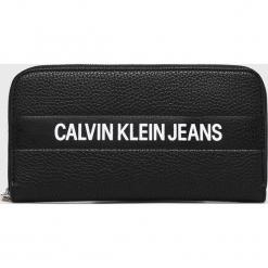 Calvin Klein Jeans - Portfel. Czarne portfele damskie Calvin Klein Jeans, z jeansu. Za 299.90 zł.