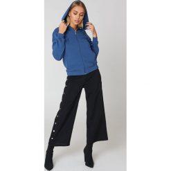 NA-KD Basic Bluza basic z kapturem - Blue. Niebieskie bluzy damskie NA-KD Basic. Za 72.95 zł.