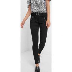 Spodnie skinny z zamkami. Szare spodnie materiałowe damskie Orsay, z bawełny. Za 129.99 zł.
