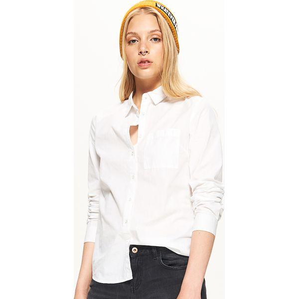 e70684e84fca Klasyczna koszula - Biały - Koszule damskie marki Cropp. W ...