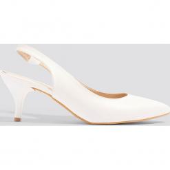 Trendyol Czółenka z paskiem - White. Białe czółenka damskie Trendyol, w paski. W wyprzedaży za 80.98 zł.