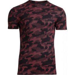 T-shirt męski TSM602 - czerwony - Outhorn. Czerwone t-shirty męskie Outhorn, na lato, moro, z bawełny. W wyprzedaży za 39.99 zł.