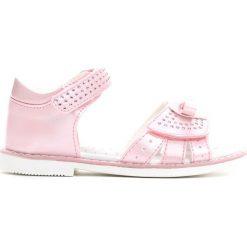 Jasnoróżowe Sandały Sparks Fly. Czerwone sandały dziewczęce Born2be, z materiału. Za 59.99 zł.