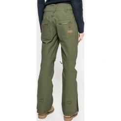 Roxy - Spodnie snowboardowe. Szare spodnie materiałowe damskie Roxy, z haftami, z poliesteru. W wyprzedaży za 599.90 zł.