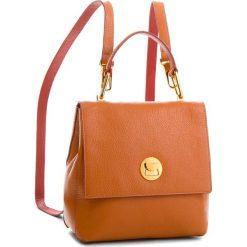 Plecak COCCINELLE - CD0 Liya E1 CD0 54 10 01 Argile/Bourgogn 564. Brązowe plecaki damskie Coccinelle, ze skóry, klasyczne. W wyprzedaży za 1,049.00 zł.