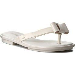 Japonki MELISSA - Gueixa Flat Ad 31858 White 01177. Białe klapki damskie Melissa, z tworzywa sztucznego. W wyprzedaży za 189.00 zł.