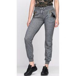 Szare Spodnie Dresowe Up Heels. Szare spodnie dresowe damskie Born2be, z dresówki. Za 24.99 zł.