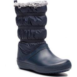 Śniegowce CROCS - Crocband Winter Boot W 205314 Navy. Niebieskie kozaki damskie Crocs, z materiału. W wyprzedaży za 219.00 zł.