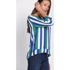 Niebiesko-Zielona Bluzka Holding Pattern. Niebieskie bluzki damskie Born2be, z długim rękawem. Za 49.99 zł.