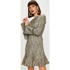 Trendyol - Sukienka. Szare sukienki damskie Trendyol, z poliesteru, casualowe, z okrągłym kołnierzem, z długim rękawem. Za 119.90 zł.