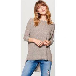 Asymetryczny sweter - Beżowy. Brązowe swetry damskie Mohito, z asymetrycznym kołnierzem. Za 89.99 zł.