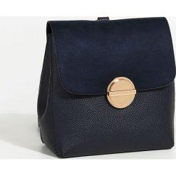 Parfois - Plecak New Checks. Czarne plecaki damskie Parfois, z materiału. W wyprzedaży za 99.90 zł.