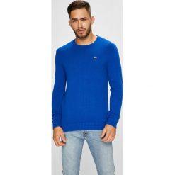 Tommy Jeans - Sweter. Szare swetry przez głowę męskie Tommy Jeans, z bawełny, z okrągłym kołnierzem. Za 299.90 zł.