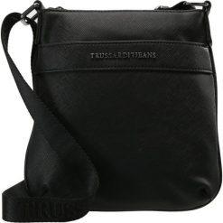 Trussardi Jeans SAFFIANO CROSSBODY FLAP Torba na ramię black. Torby na ramię męskie marki Kazar. Za 359.00 zł.