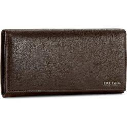 Duży Portfel Damski DIESEL - 24 A Day X03928 PR271 T2189. Brązowe portfele damskie Diesel, ze skóry. W wyprzedaży za 339.00 zł.