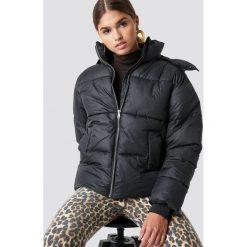 NA-KD Trend Kurtka watowana - Black. Czarne kurtki damskie NA-KD Trend, z materiału. Za 283.95 zł.
