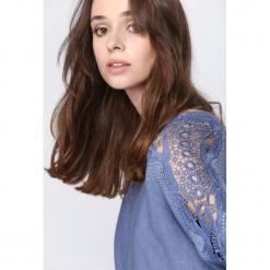 Niebieski Sweter Always Love You. Niebieskie swetry damskie Born2be, z koronki. Za 89.99 zł.
