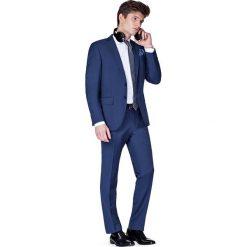 Garnitur Granatowy Savoy. Niebieskie garnitury męskie LANCERTO, z bawełny. W wyprzedaży za 399.90 zł.