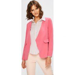 Answear - Żakiet. Różowe żakiety damskie ANSWEAR, z elastanu, casualowe. W wyprzedaży za 79.90 zł.