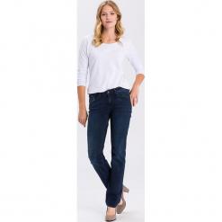 """Dżinsy """"Rose"""" - Regular fit - w kolorze granatowym. Niebieskie jeansy damskie Cross Jeans. W wyprzedaży za 136.95 zł."""