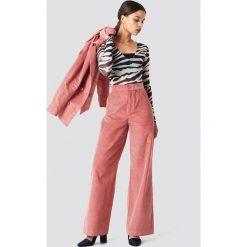 NA-KD Classic Spodnie sztruksowe - Pink. Różowe spodnie materiałowe damskie NA-KD Classic, ze sztruksu. Za 202.95 zł.