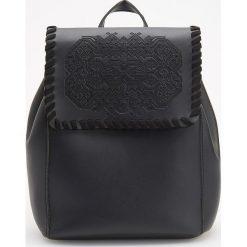 Plecak w stylu boho - Czarny. Czarne plecaki damskie Reserved, boho. Za 119.99 zł.