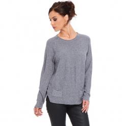 """Sweter """"Jamie"""" w kolorze szarym. Szare swetry damskie Cosy Winter, ze splotem, z okrągłym kołnierzem. W wyprzedaży za 181.95 zł."""