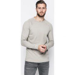 Review - Longsleeve. Szare bluzki z długim rękawem męskie Review, z bawełny, z okrągłym kołnierzem. W wyprzedaży za 79.90 zł.