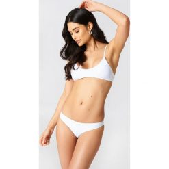 Hot Anatomy Dół bikini brazylijskiego - White. Białe bikini damskie Hot Anatomy, w paski. Za 80.95 zł.