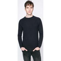 Kensington - Sweter. Czarne swetry przez głowę męskie Kensington, z bawełny, z okrągłym kołnierzem. W wyprzedaży za 39.90 zł.