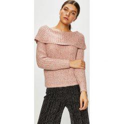 Only - Sweter. Różowe swetry damskie Only, z dzianiny, z dekoltem typu hiszpanka. Za 129.90 zł.